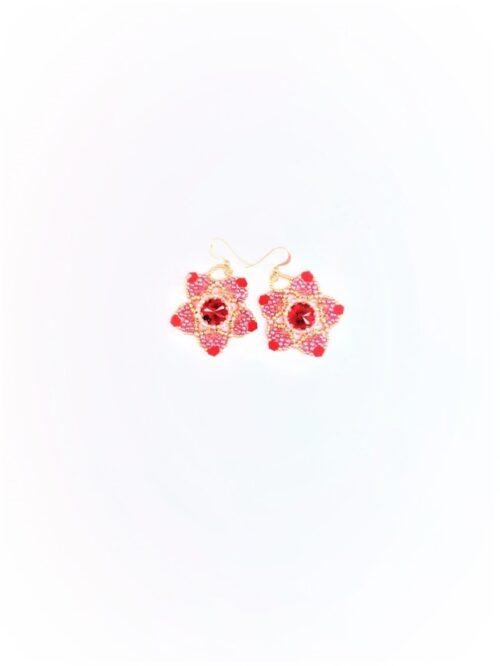 Orecchini Rosaria con cabochon Swarovski rosso, perline e biconi