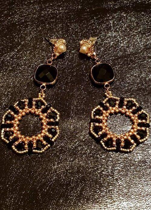 Orecchini Mystic fatti a mano con perline nere e oro